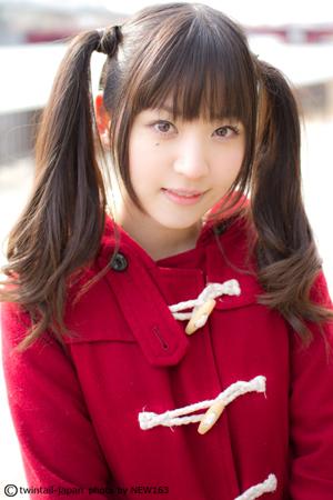 名前 / 船岡 咲 (20才) Q1. 学生時代のうちにやりたいことは? 「とにかく出席日数 」
