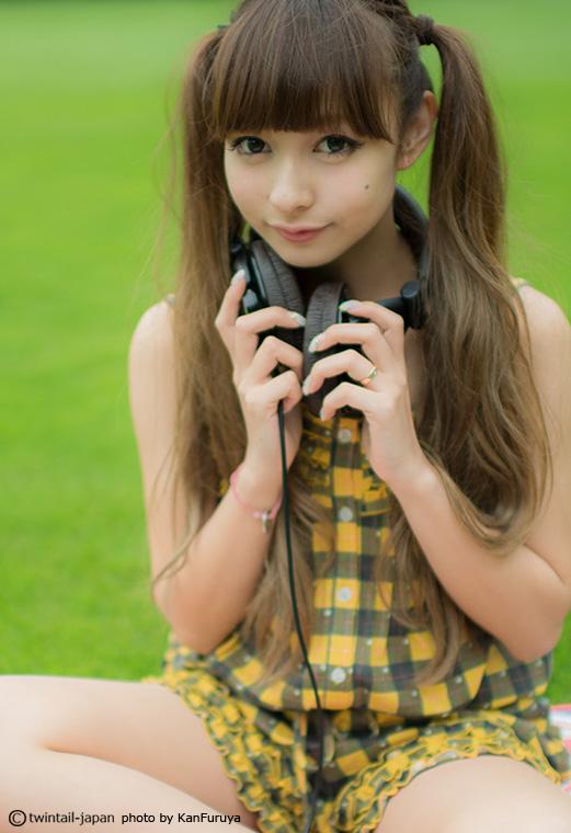 ヘッドホンつけた女の子の画像 YouTube動画>9本 ->画像>937枚